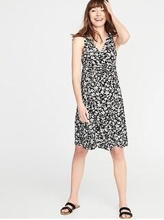 e7d4e59d3cc Maternity Waist-Defined Cross-Front Jersey Dress